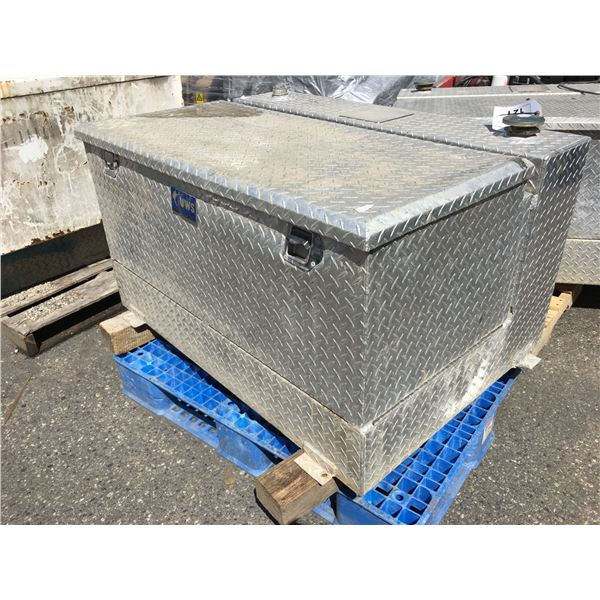 STAINLESS STEEL CHECKER PLATE REFUELING TANK AND TOOLBOX COMBINATION NO REFUELING PUMP