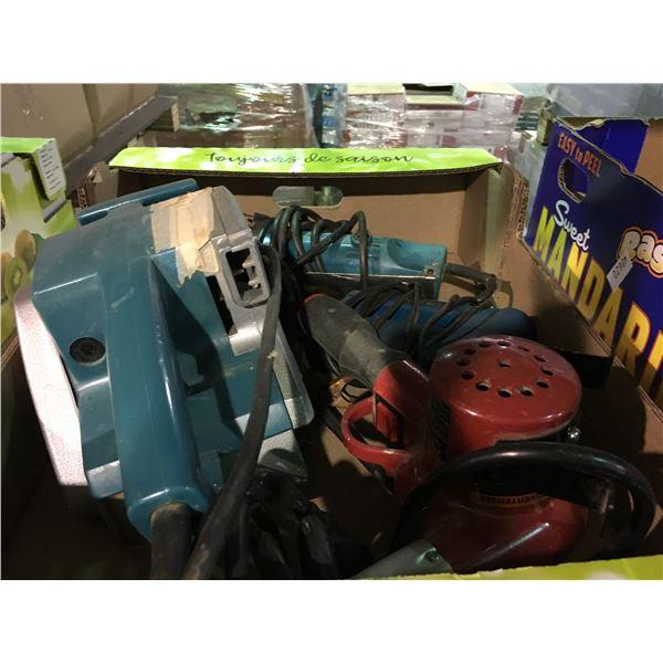 BOX OF ASSORTED POWER TOOLS INCLUDING MAKITA BELT SANDER, MAKITA ANGLE DRILL, HEAT GUN AND TIMING