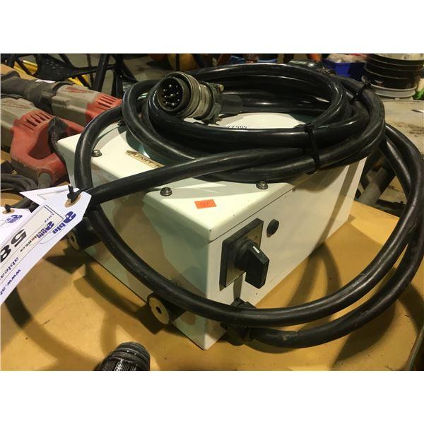 WHITE INDUSTRIAL 125V 30AMP POWER UNIT