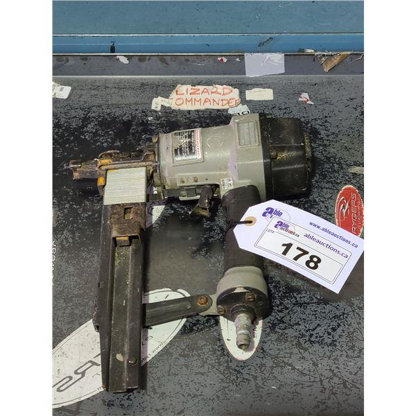 GREY HEAVY DUTY INDUSTRIAL PNEUMATIC NAIL GUN