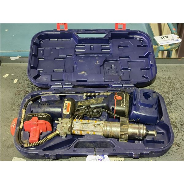 LINCOLN 14V POWER LUBER WITH 2 BATTERIES, CHARGER AND HARD CARRY CASE