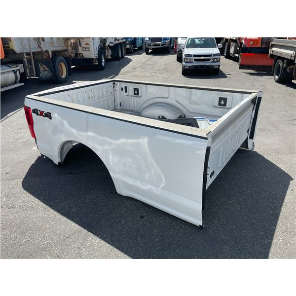 WHITE FORD F-150 FULL REAR BOX WITH BED AND TAILGATE