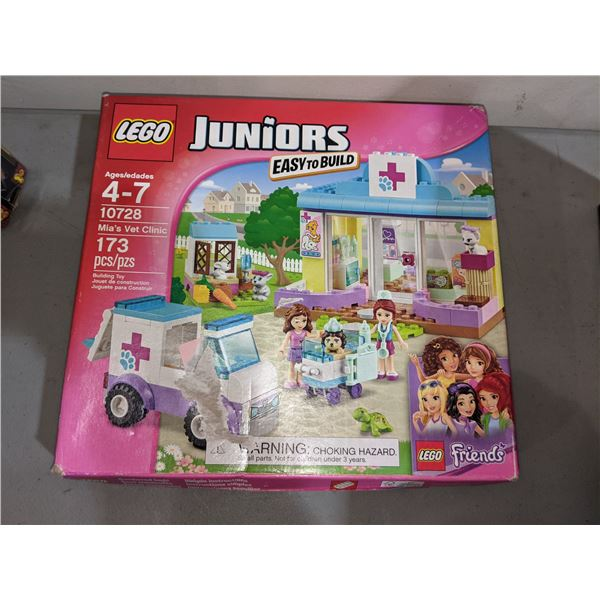 Lego Juniors 10728 Mia's vet Clinic (BNIN)