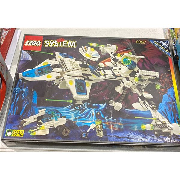 Lego System 6982 (Brand new in box)