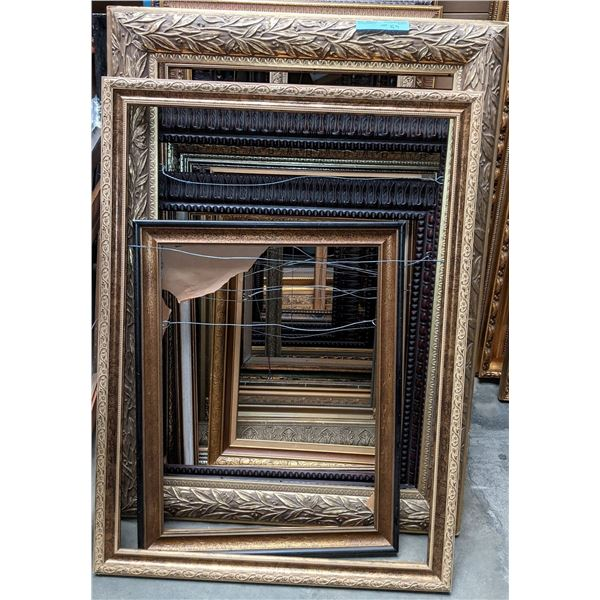 lot of picture frames approx 15 pieces