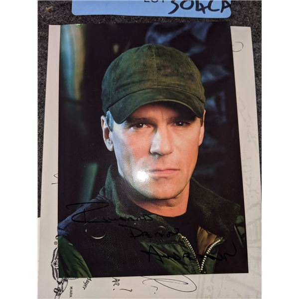 Stargate SG-1 Richard Dean Anderson Signed Photograph and Post Card signed by crew