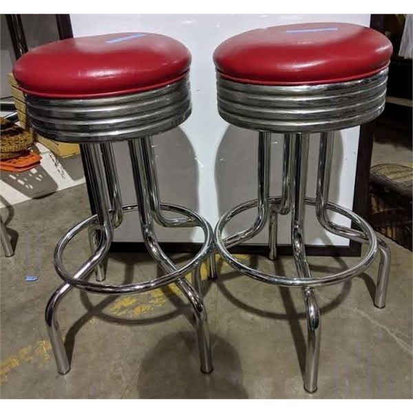 2 Retro diner stools