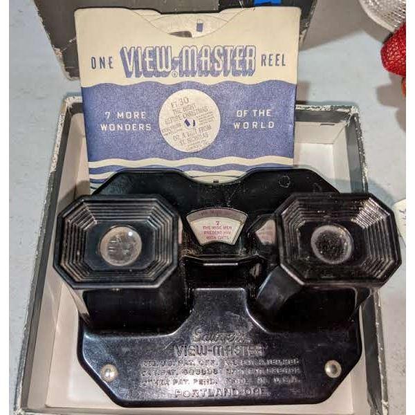 Vintage View finder in case