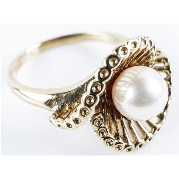Estate 14kt Gold Pearl Ring with Swarovski  Elements. Size 7