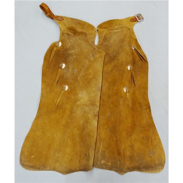 Batwing chaps w/conchos, unmarked