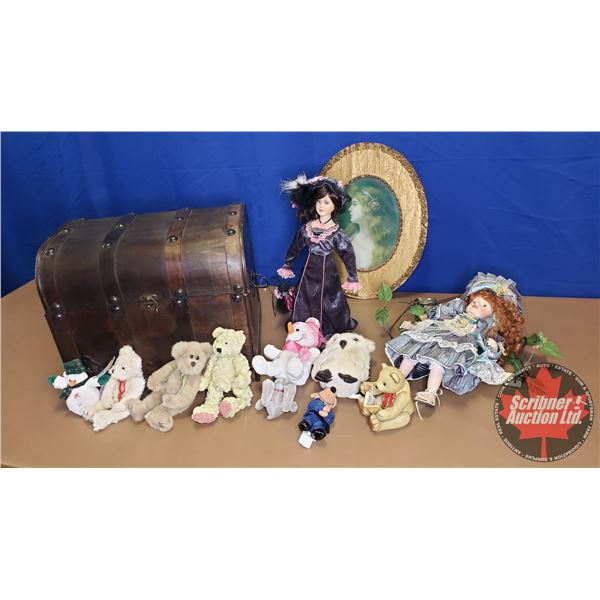 Treasure Chest with Porcelain Doll, Plush Toy & Oval Picture