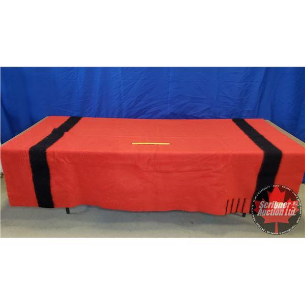 "Hudson's Bay Blanket : 4 Point (Red & Black) (72""H x 92""W)"