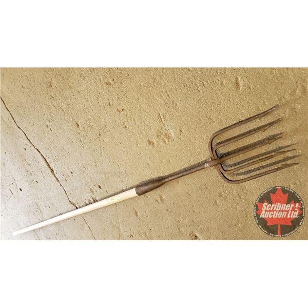 "Fishing Spear (75""H)"