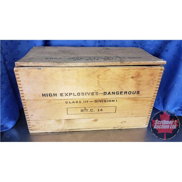 "CIL Polar Stumping Powder Box (12""H x 20""W x 10""D)"