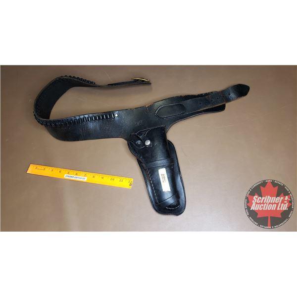 "Gun Holster & Ammo Belt - Black Leather (42-3/4""H)"