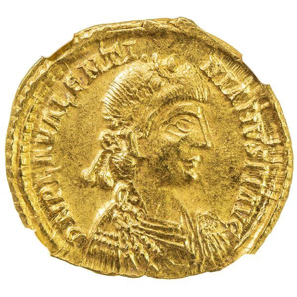ROMAN EMPIRE: Valentinian III, 425-455, AV solidus (4.42g), Ravenna, 426-430. NGC MS