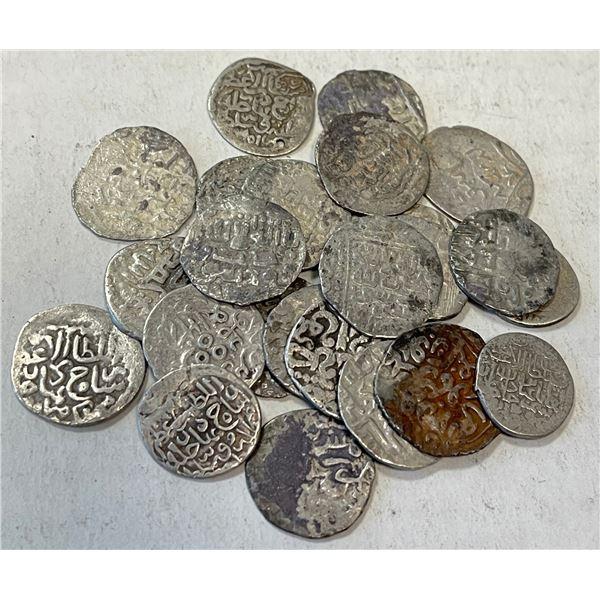TIMURID: LOT of 24 silver quarter tankas (miris)
