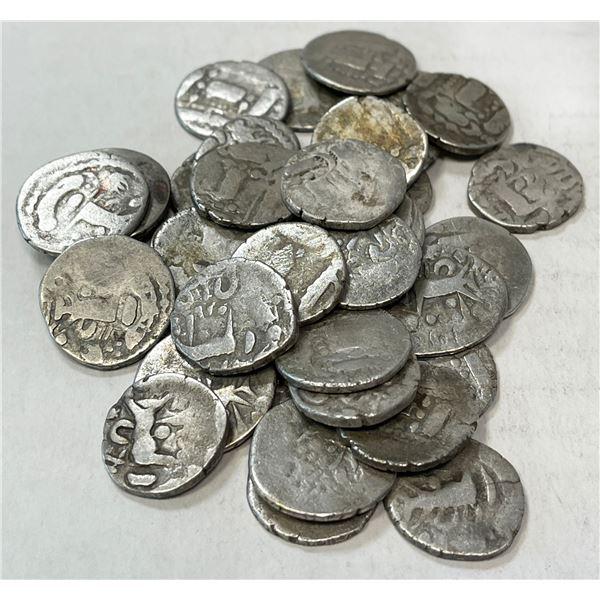 PRATIHARA/PALA: LOT of 37 late silver dammas
