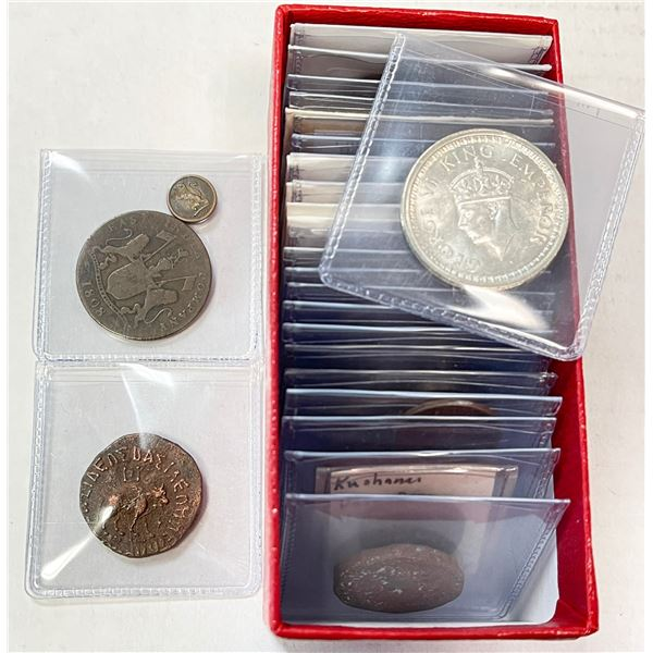 INDIA: LOT of 32 coins (15 silver)