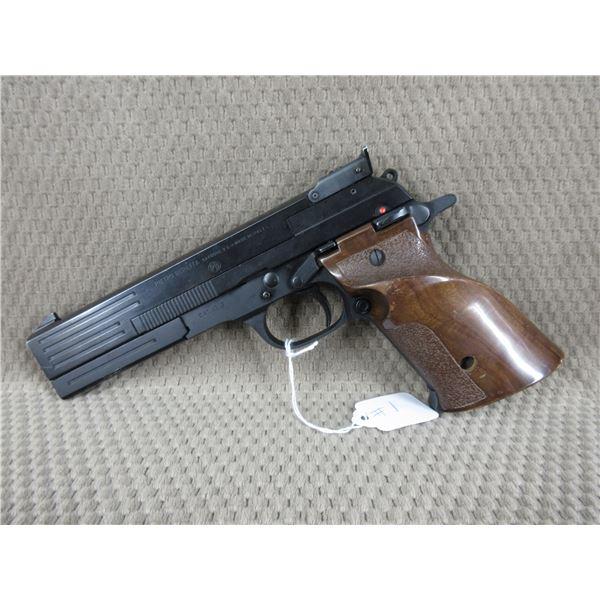 Restricted - Beretta Model 89 Gold Standard Target in 22 LR