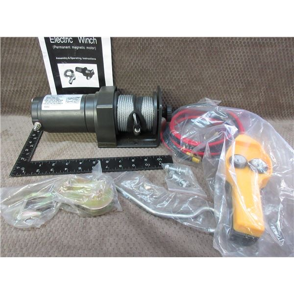 2000 LB - 12 Volt Electric Winch - Appears New