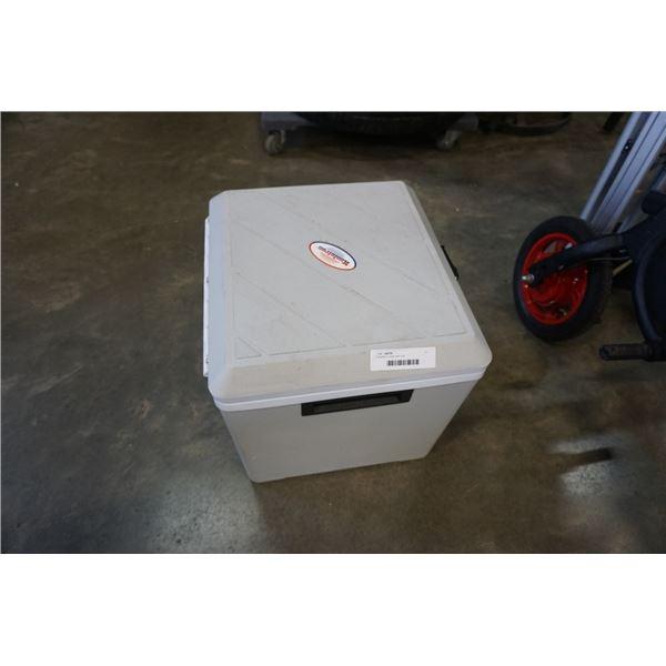 Koolatron cooler with cord