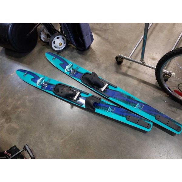 Pair of jet stream water skis - adult size