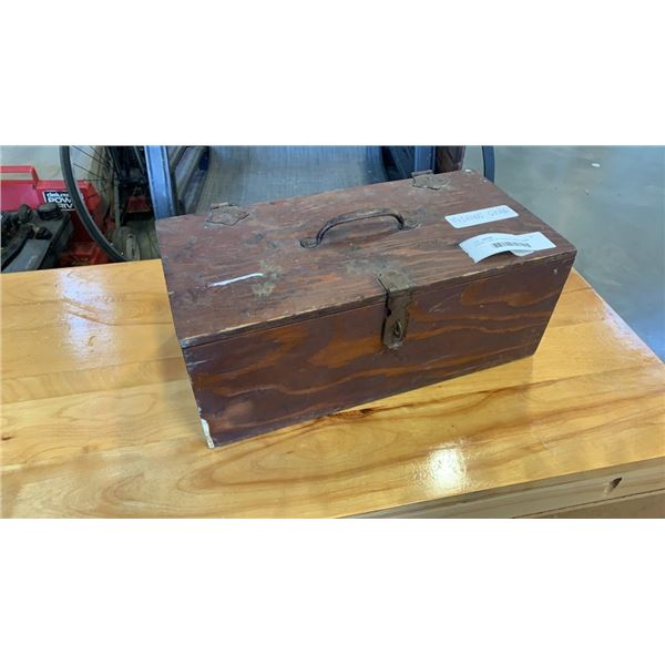 WOOD CASE OF FISHING LURES, LEAD WEIGHTS