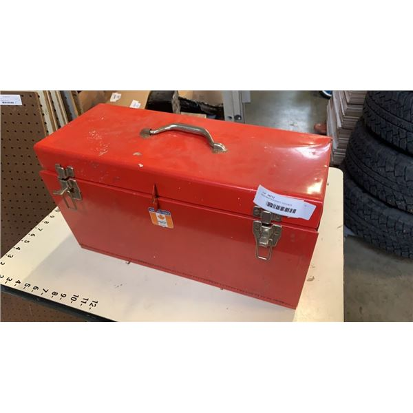 RED MASTERCRAFT TOOLBOX