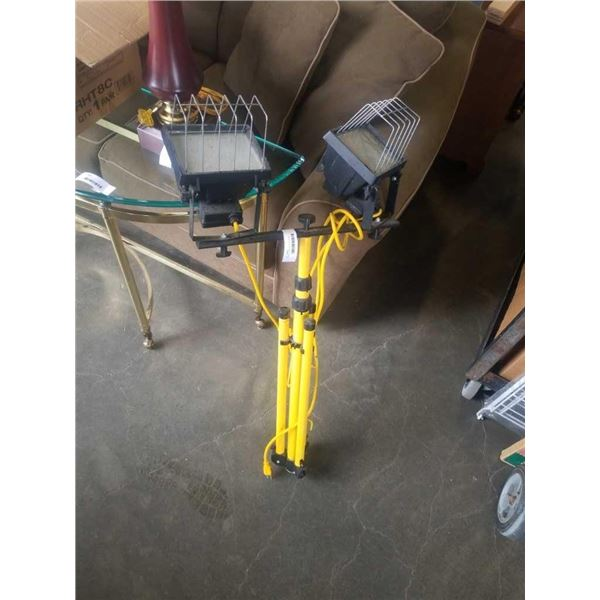 DOUBLE SHOP LIGHT ON STAND