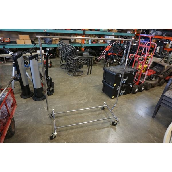 5 ft rolling clothing display rack
