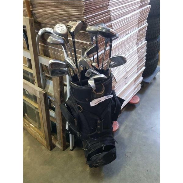 MACGREGOR GOLF BAG WITH VARIOUS CLUBS INCLUDING TAYLOR MADE