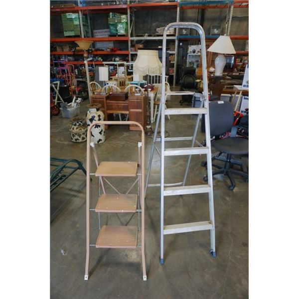 2 aluminum ladders 3 step and 4 step
