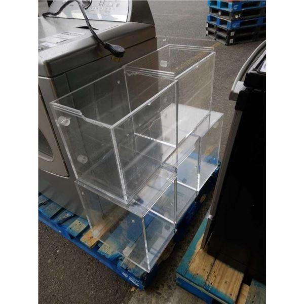 5 large acrylic cases