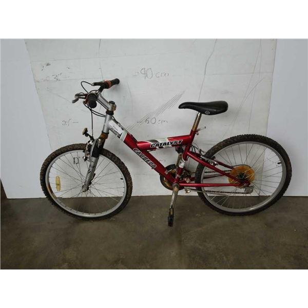 Red carrera catalyst bike