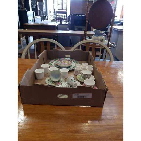 Box of occupied japan, sake cups with eastern plates/cups