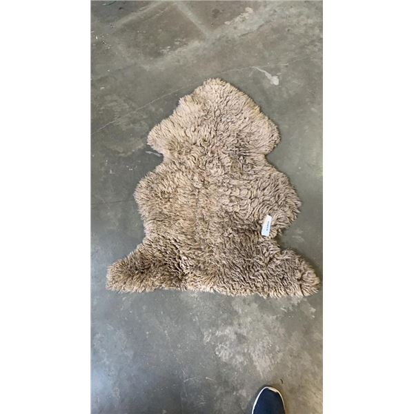 LIGHT BROWN SHEEP SKIN RUG