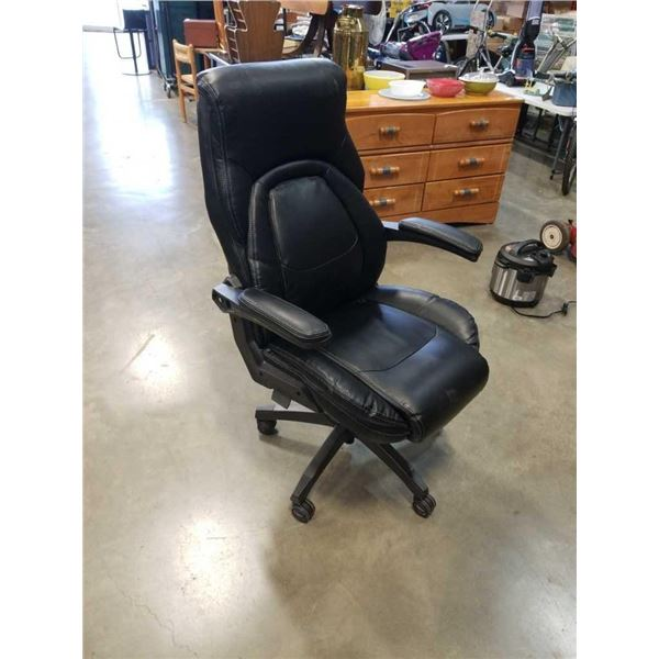 Black Lazy Boy gas lift lumbar support office chair