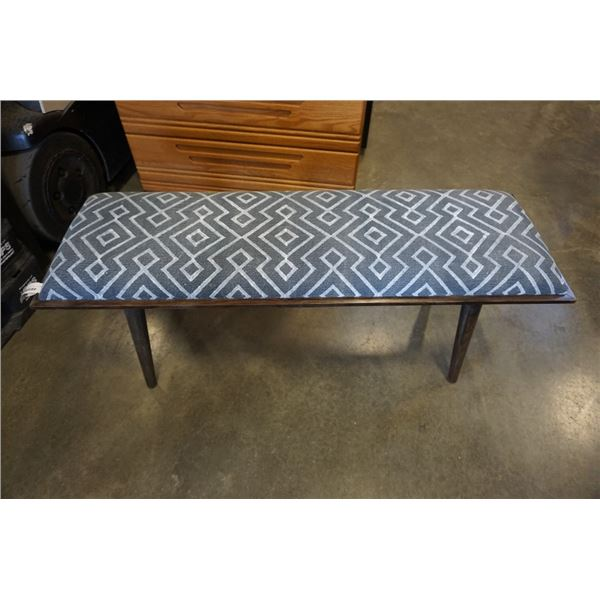 MODERN BENCH WITH STRIPED CUSHION