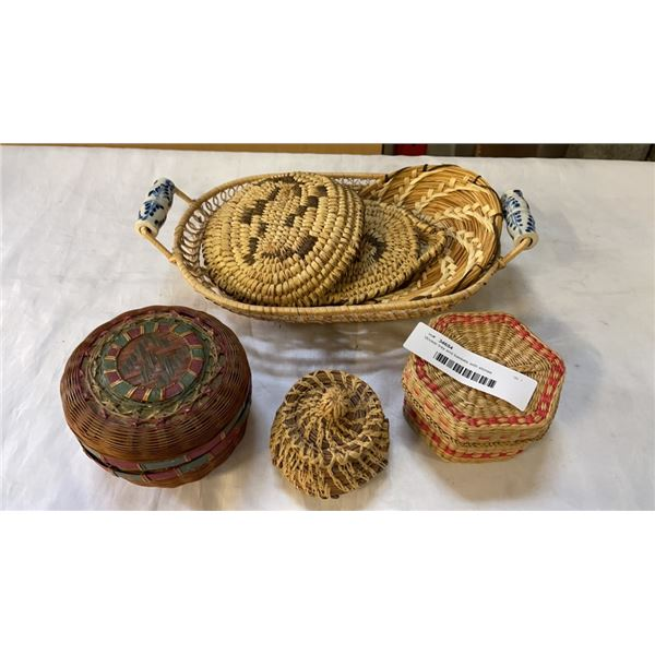 Wicker tray and baskets with stones
