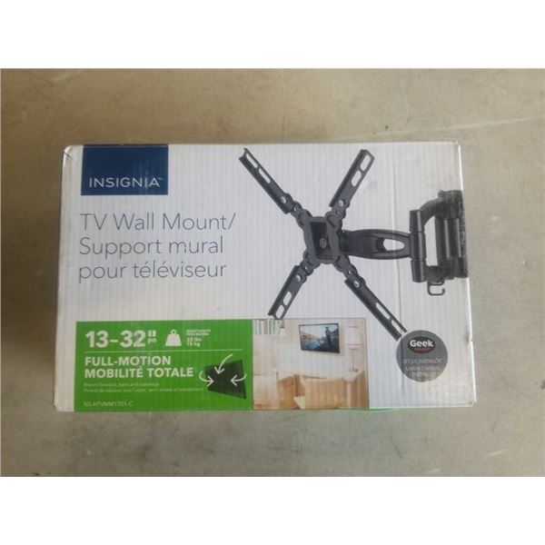 NEW OVERSTOCK 13-32 INCH FULL MOTION TV WALL MOUNT - 33 LB CAPACITY