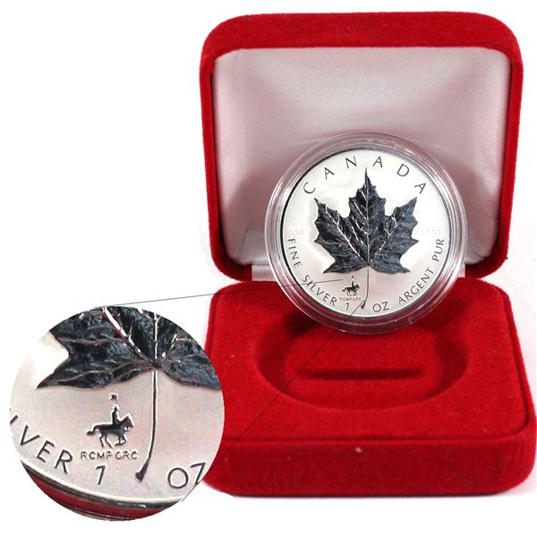 1998 Canada $5 RCMP Privy Fine Silver Maple Leaf Encapsulated in Red Display Box. (TAX Exempt)