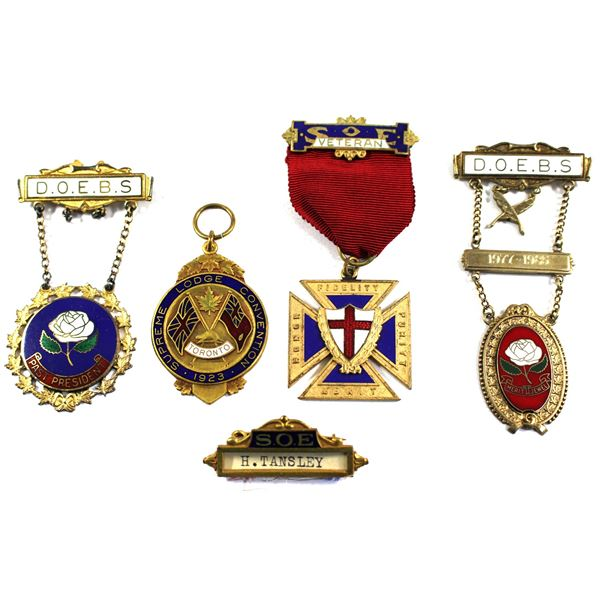 Lot of 5x H. Tansley and Sister M Field Lodge Commemorative Pins. Includes H Tansley name plate, 192