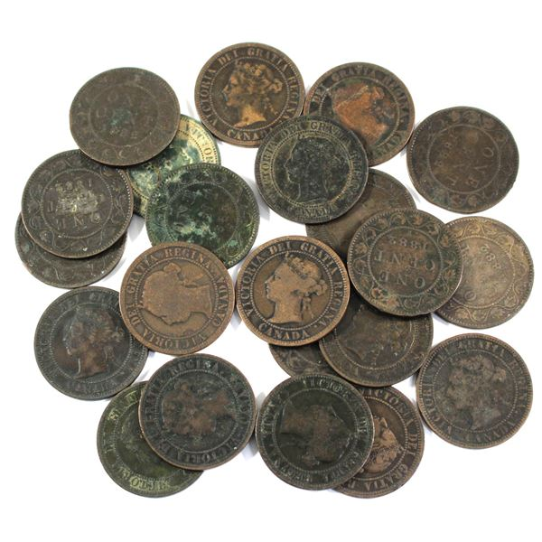 Lot of 22x 1882H Canada Large Cents. Average condition, various imperfections.