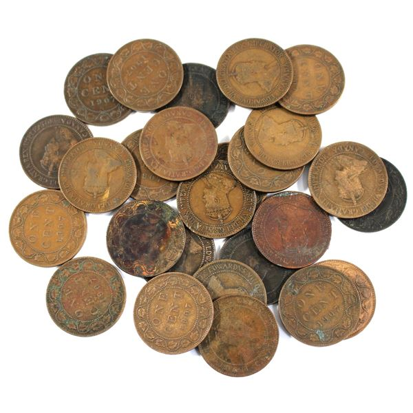 Lot of 26x 1907 Canada Large Cents. Average condition, various imperfections.