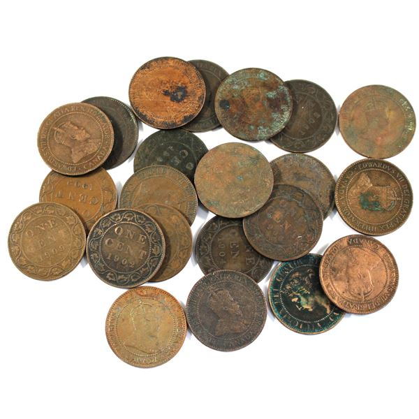 Lot of 22x Mixed 1902-1909 Canada Large Cents. Average condition, various imperfections.