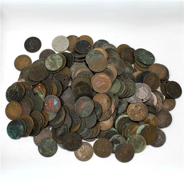 Lot of 319x Mixed Date Canada Large Cents - Culls. Total of approximately 3.7 pounds. Various imperf