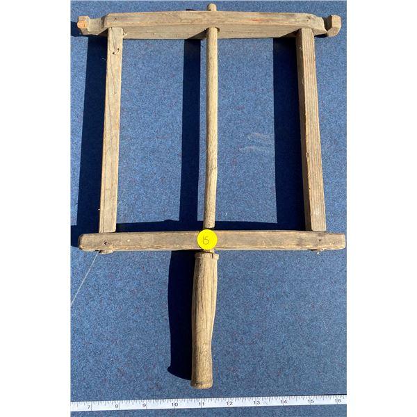 Rug beater or wool winder