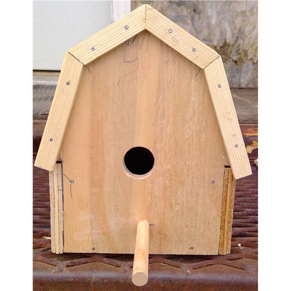 Barn Birdhouse 5x7x7.5