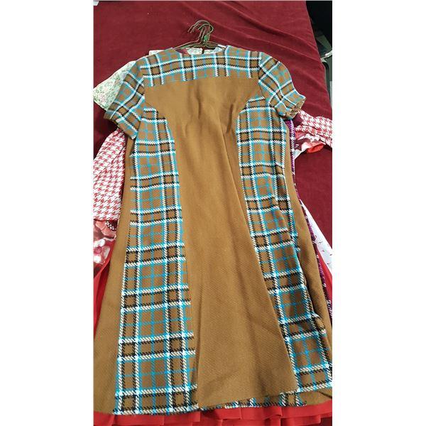 6 Vintage Dresses